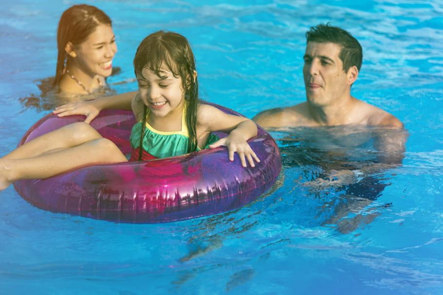 Risque de noyade: Decathlon rappelle une bouée gonflable pour bébé