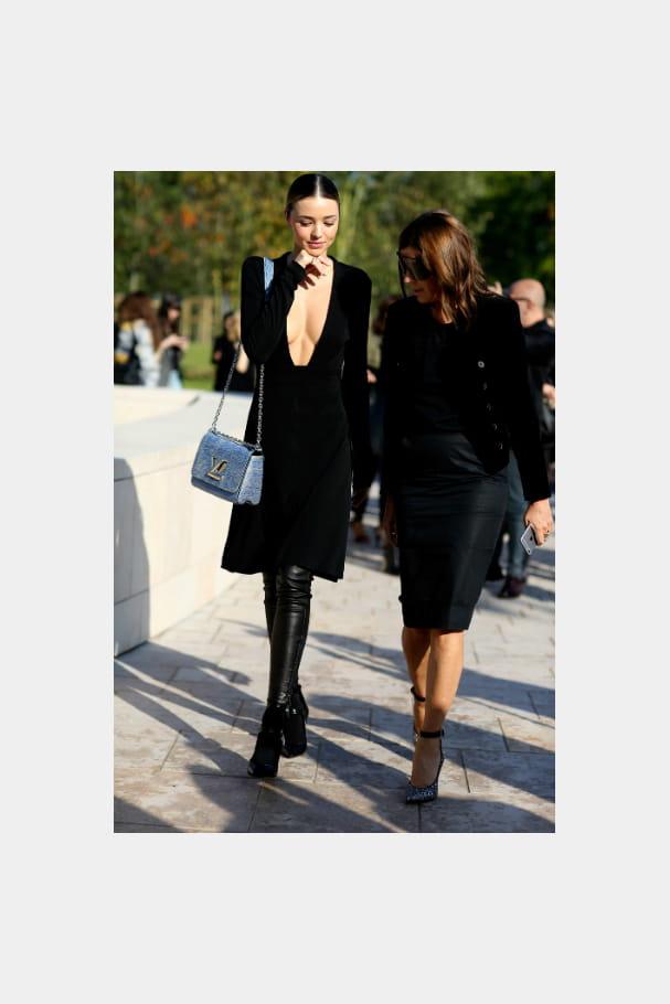 Miranda Kerr et son sac à main Louis Vuitton