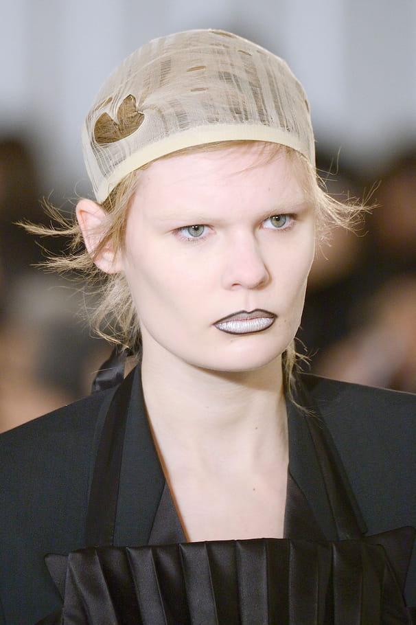 Le bonnet filet du défilé Maison Margiela