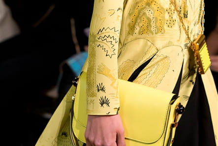 Valentino (Close Up) - photo 24