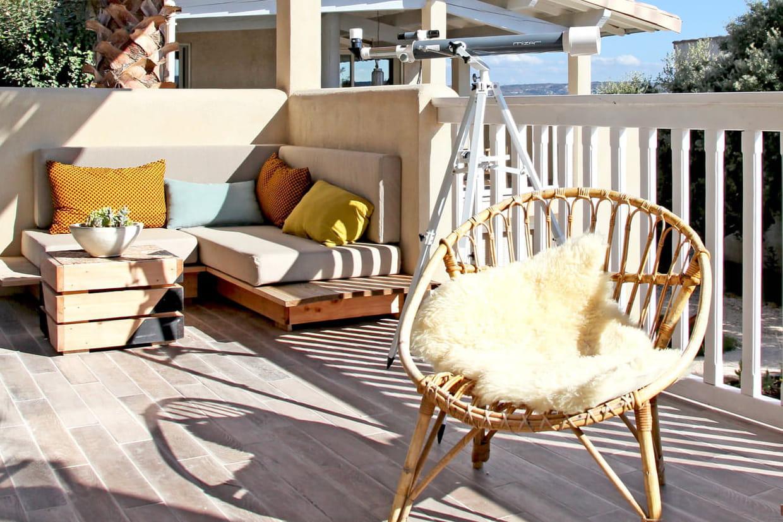 Aménager Son Balcon Avec Des Palettes balcon : aménagement, déco et plantes pour un balcon