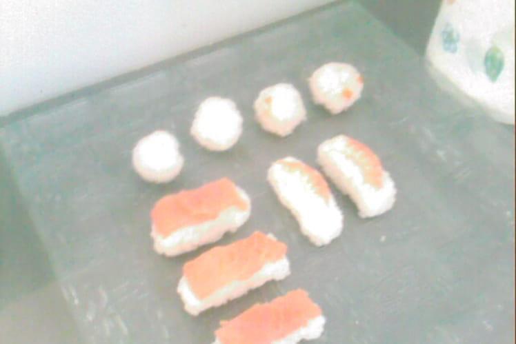Assortiment de makis et sushis maison
