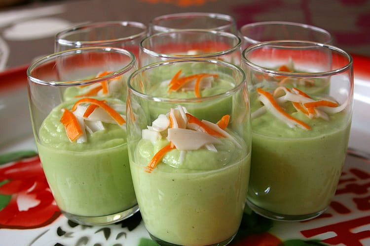 Verrines de crème d'avocat au concombre