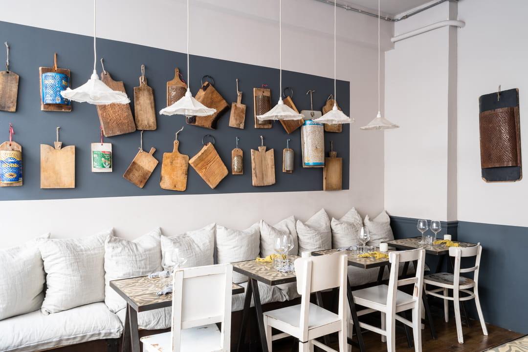 restaurant-borgo-delle-tovaglie-planches-a-decouper-au-mur