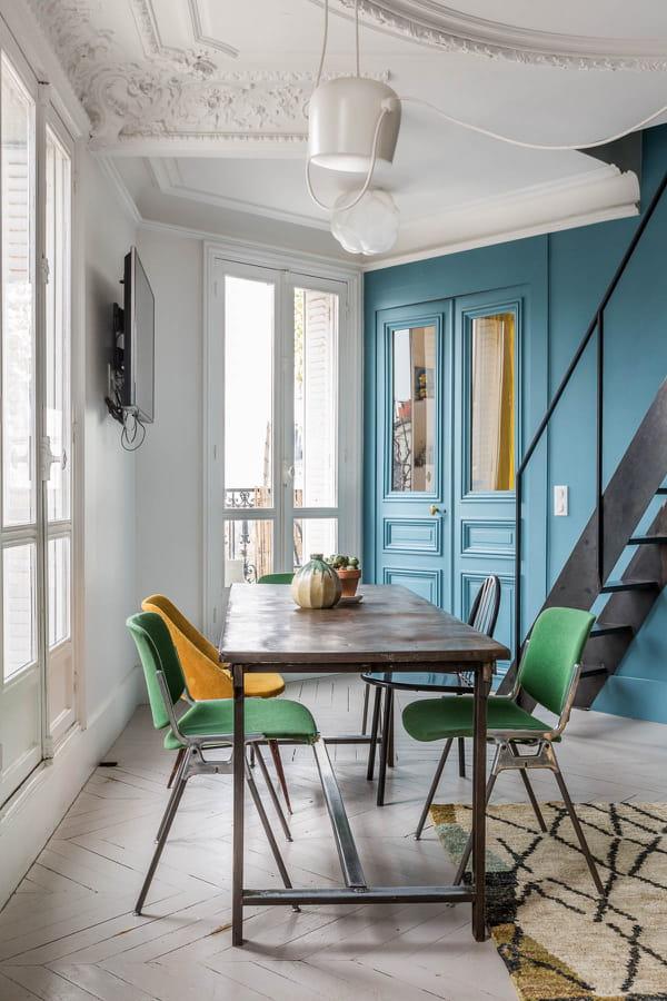 pan-de-mur-peint-en-couleur