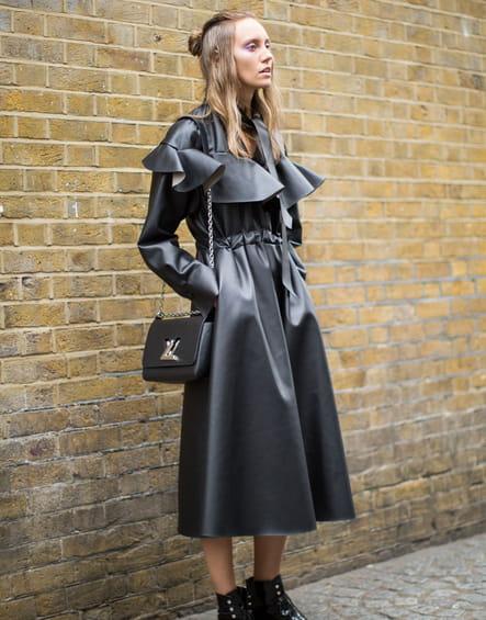 La robe cuir travaillée