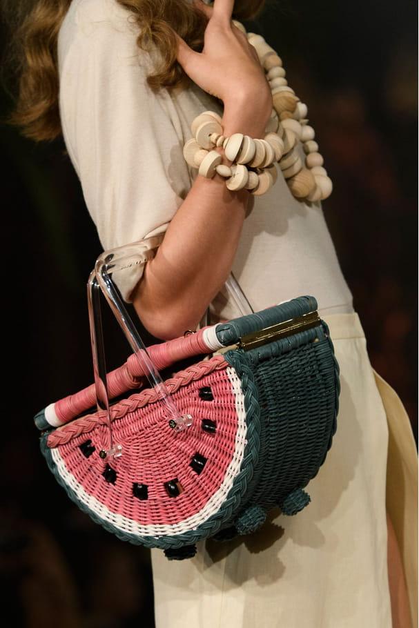 Le sac pastèque du défilé Charlotte Olympia