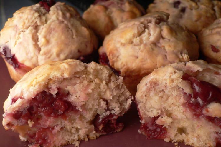 Muffins aux cerises et à la pâte d'amande