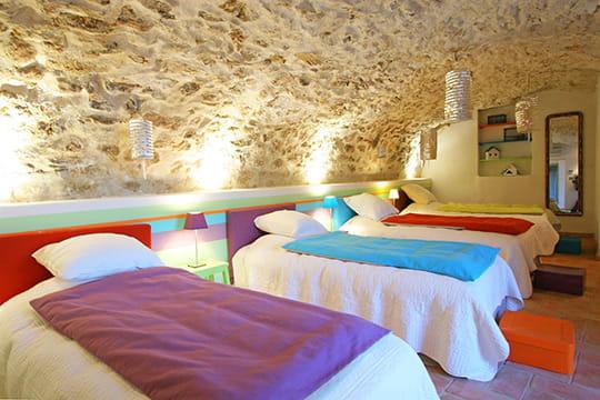 Un dortoir multicolore