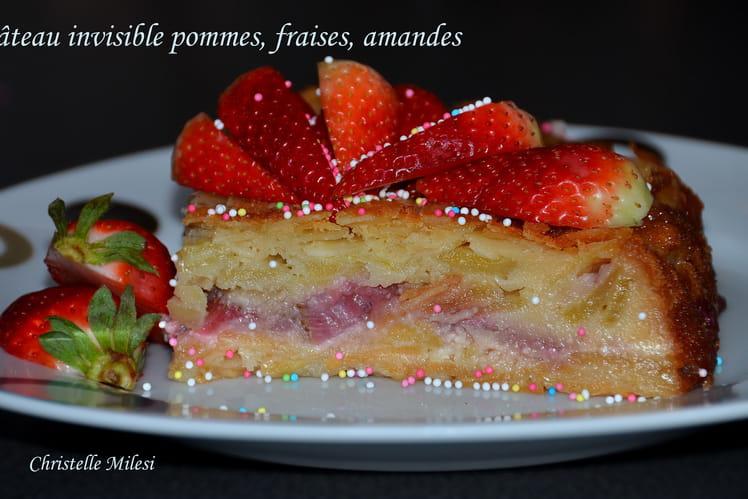 Gâteau invisible pommes, fraises, amandes