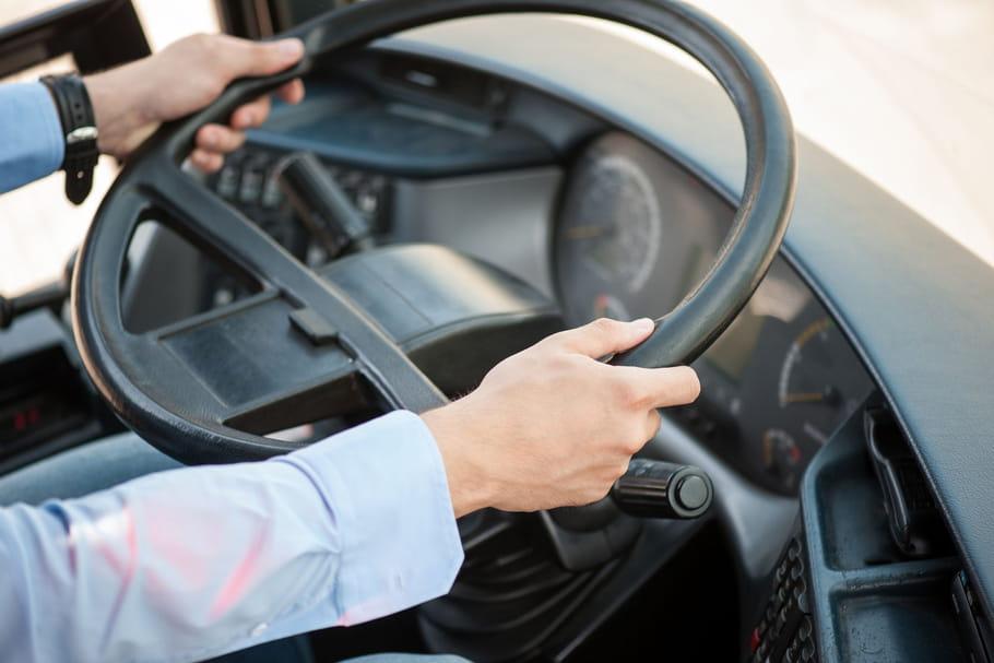 Accouchement dans un bus: la conductrice s'improvise sage-femme
