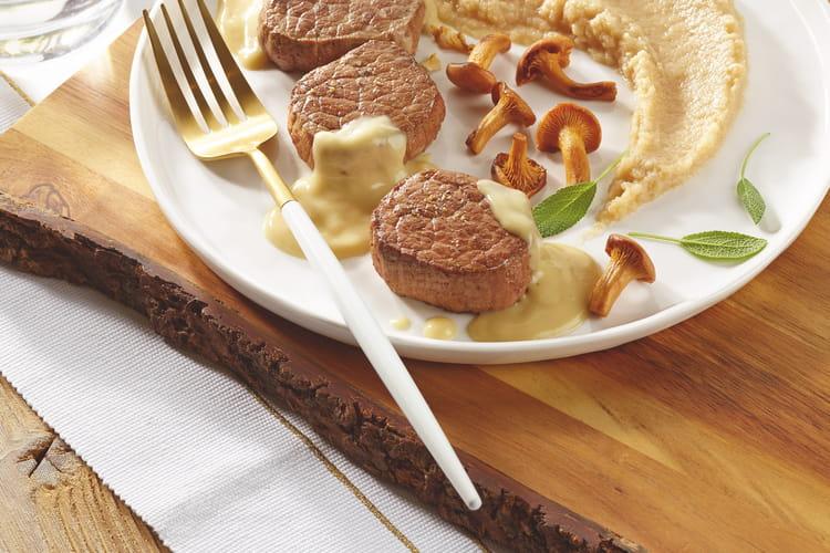 Médaillons de bœuf, sauce au foie gras et déclinaison de céleri en différentes textures