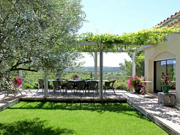 Un salon de jardin comme végétalisé