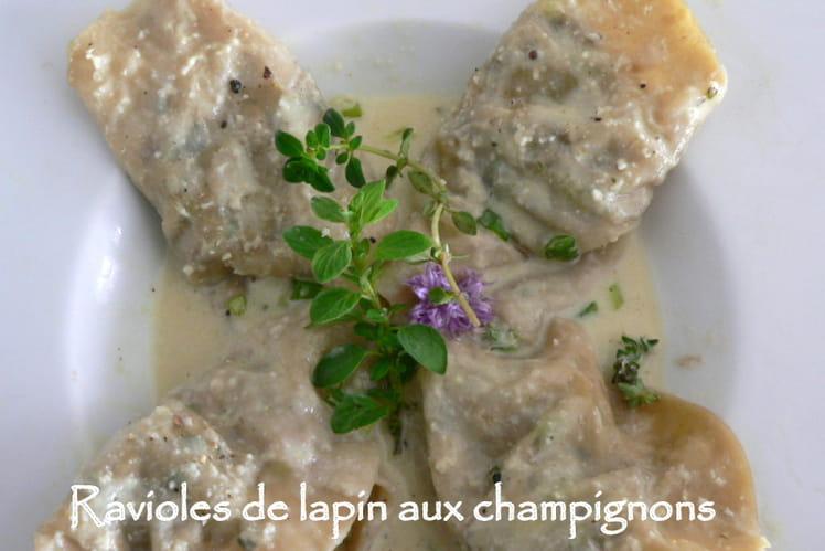 Ravioles de lapin aux champignons, crème d'amandes