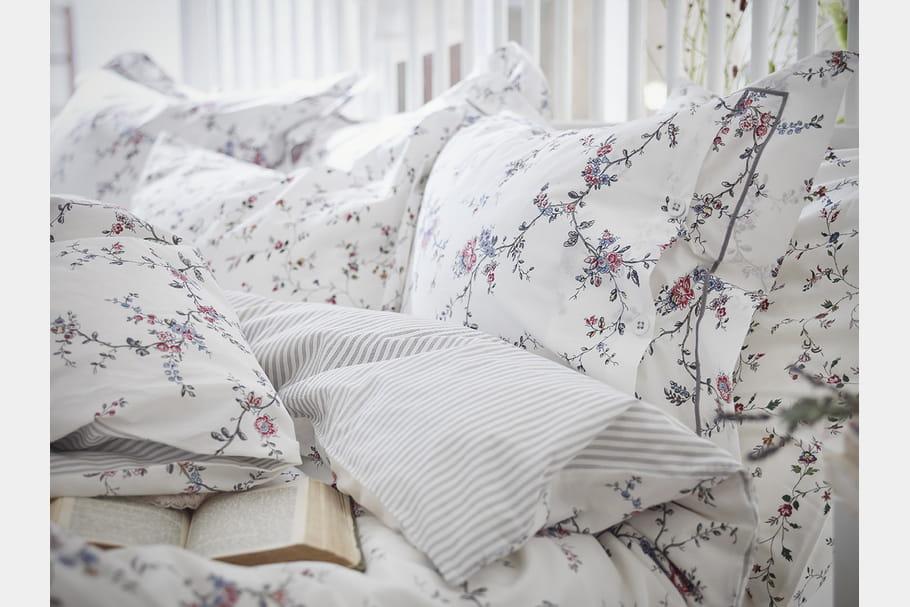 linge de lit fleuri ikea. Black Bedroom Furniture Sets. Home Design Ideas