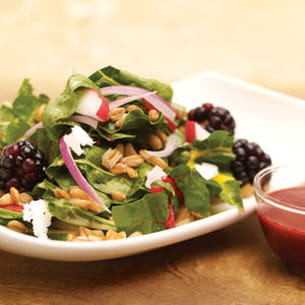 salade red chard, vinaigrette aux mûres et clou de girofle