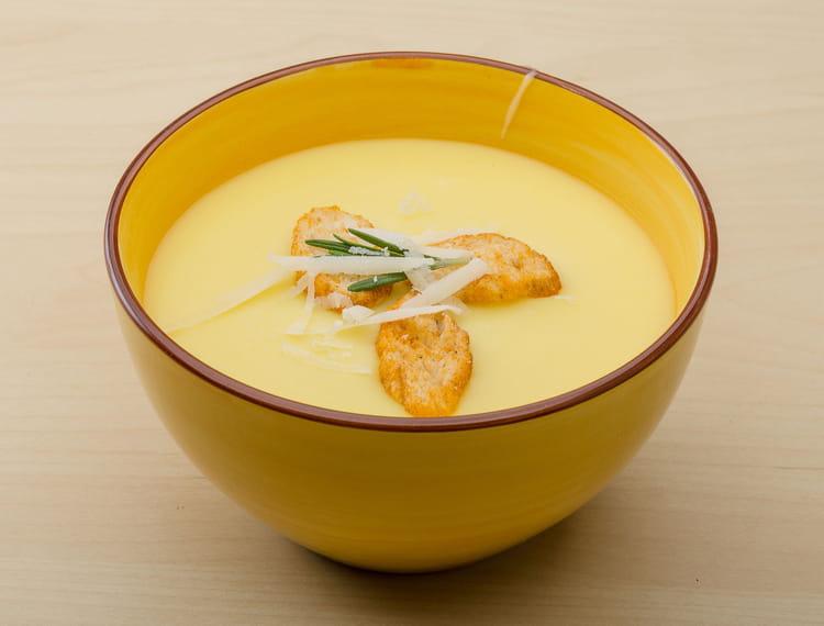 Recette de Soupe de chou-fleur à l'indienne
