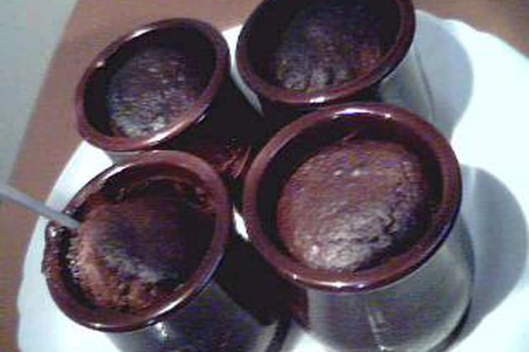 Mi-cuits au chocolat en pot de yaourt