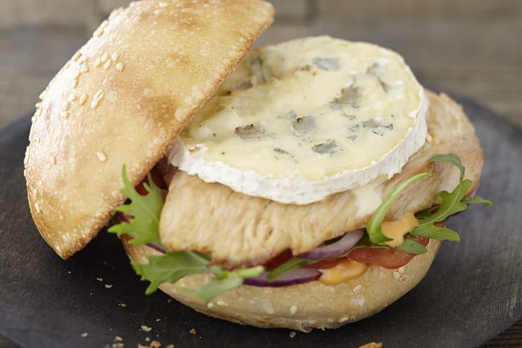 Burger gourmand au Bresse Bleu