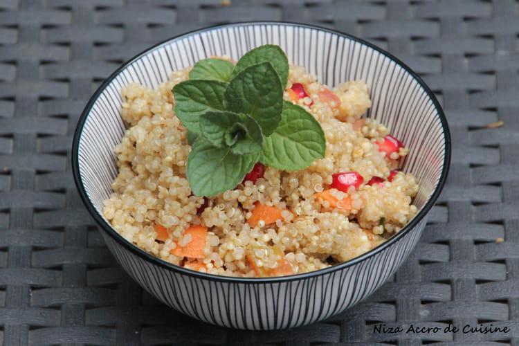 Quinoa à la grenade, menthe et fromage aux noix