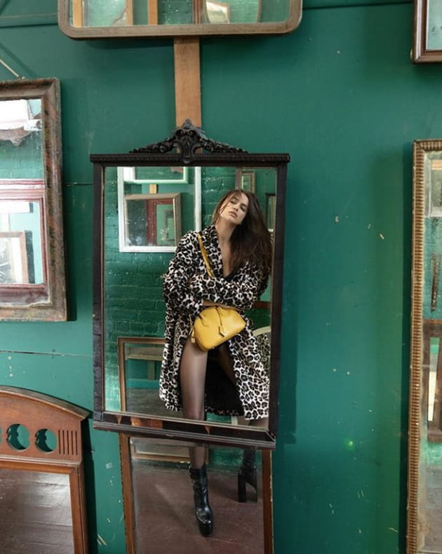 irina shayk miroir mon beau miroir qui est la plus belle. Black Bedroom Furniture Sets. Home Design Ideas