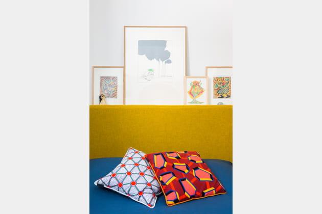 Tête de lit jaune