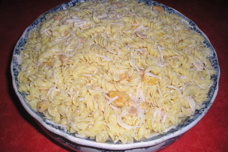 Salade de pâtes aux pêches
