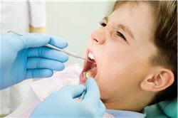 les suppléments de fluor en gouttes ou comprimés, sont réservés aux enfants à