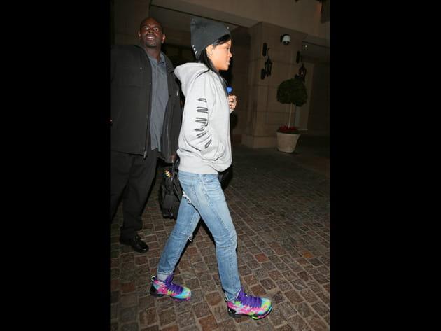 Rihanna, décontractée