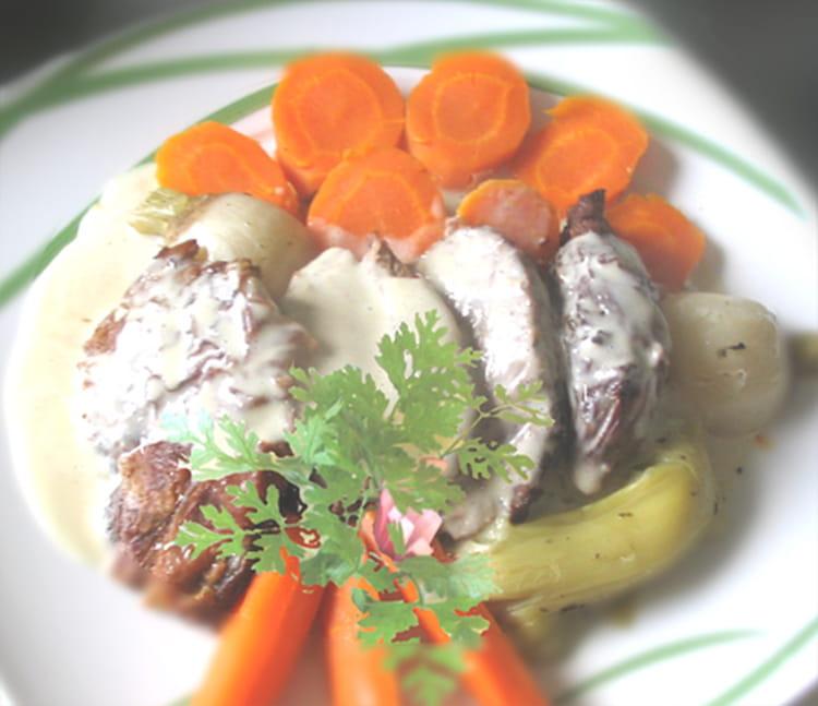 Recette de selle d 39 agneau r tie la cr me d 39 ail la - Cuisiner une selle d agneau ...