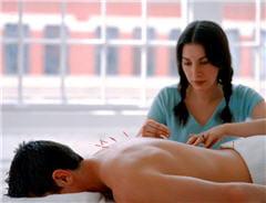 le praticien va définir le traitement approprié en fonction de la pathologie.