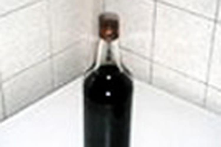 Vin de cerise pétillant fait maison