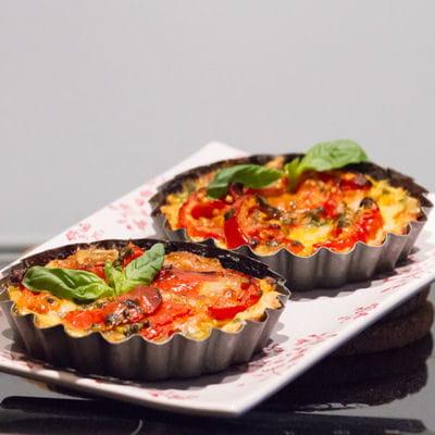 Tartelettes tomates, mozzarella et basilic