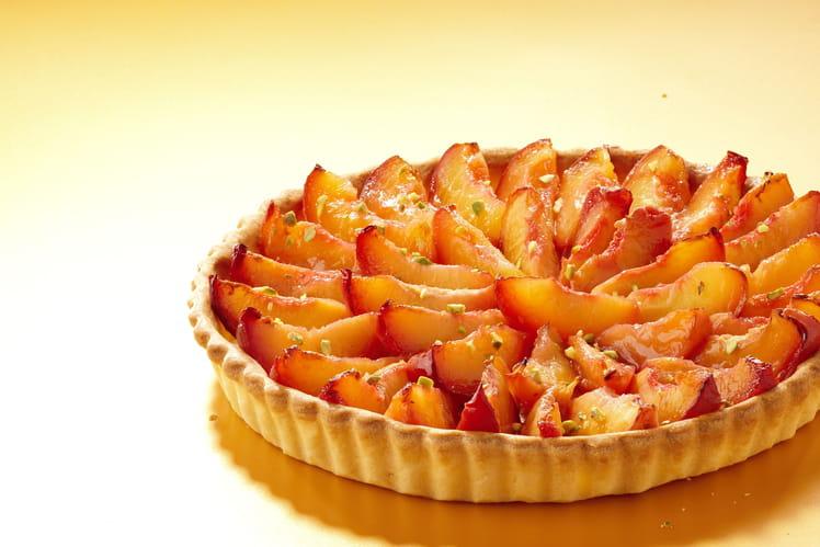 Tarte aux nectarines et pistaches concassées