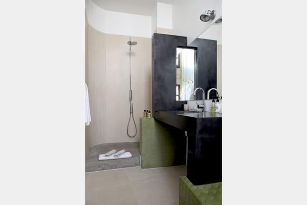 Le béton dans la salle de bains