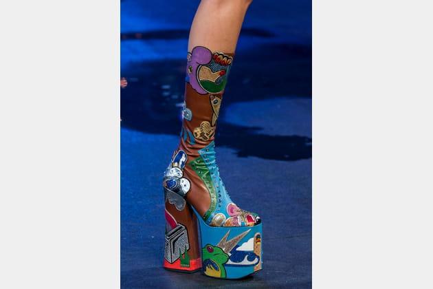 Les bottes kawaï à plateformes XXL du défilé Marc Jacobs