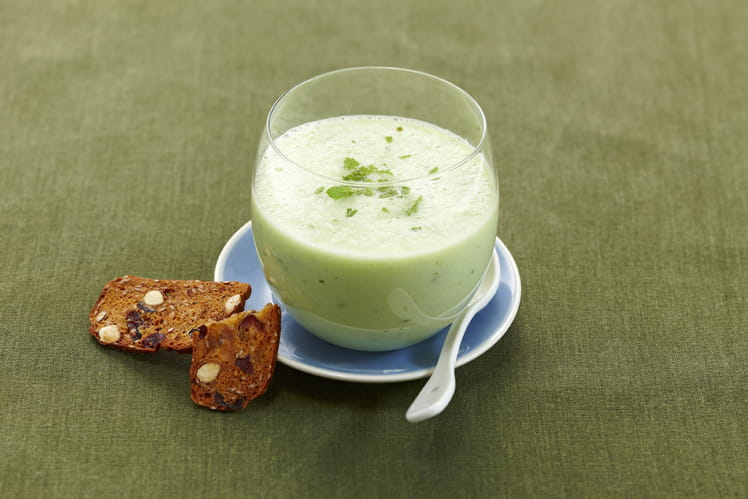 Soupe fraîche de concombre et menthe au Lait Ribot