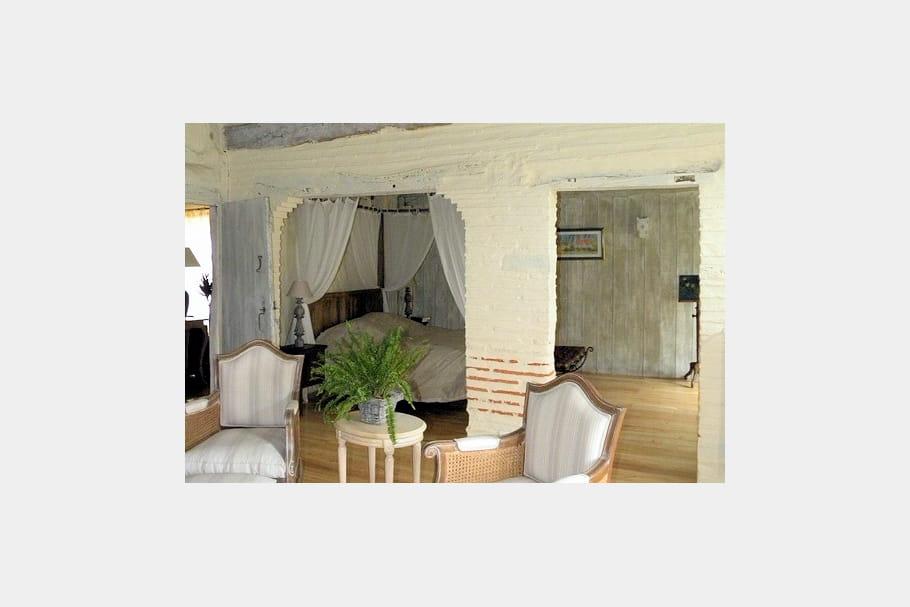 une chambre avec alc ve esprit rustique et r cup 39 pour demeure restaur e journal des femmes. Black Bedroom Furniture Sets. Home Design Ideas