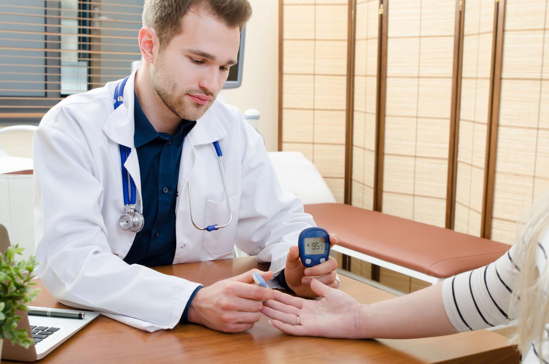 Diabétologue: consultation, rôle, prix, pour qui?