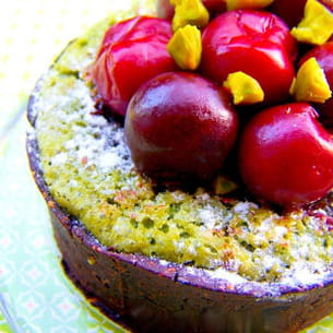 tartelettes gourmandes chocolatées, saveur pistaches et cerise