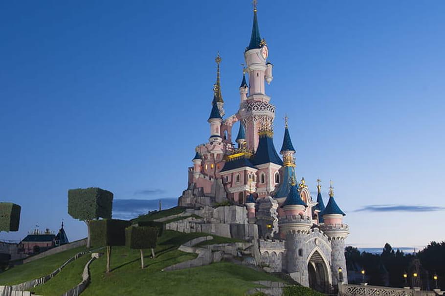 Disneyland Parisse transforme en vaccinodrome