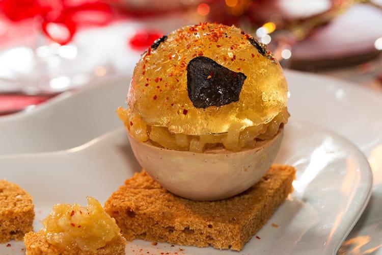 Boule de foie gras et sa gelée de Champagne truffée