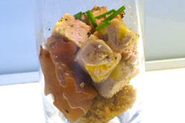 Verrines de Foie gras sur chutney poires-cranberries et pain d'épice