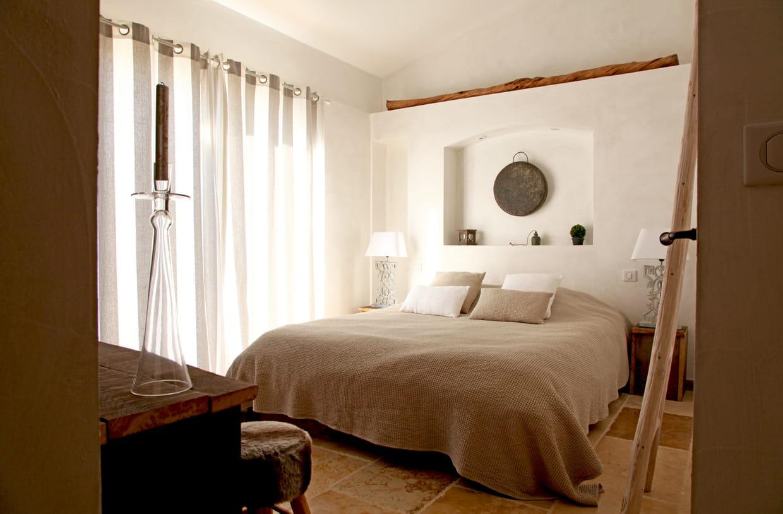 chambre apaisante. Black Bedroom Furniture Sets. Home Design Ideas
