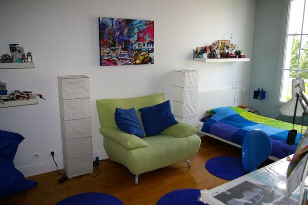 la chambre de thomas en bleu et vert. Black Bedroom Furniture Sets. Home Design Ideas