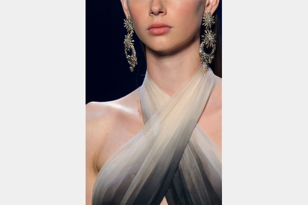 Marchesa (Close Up) - photo 32