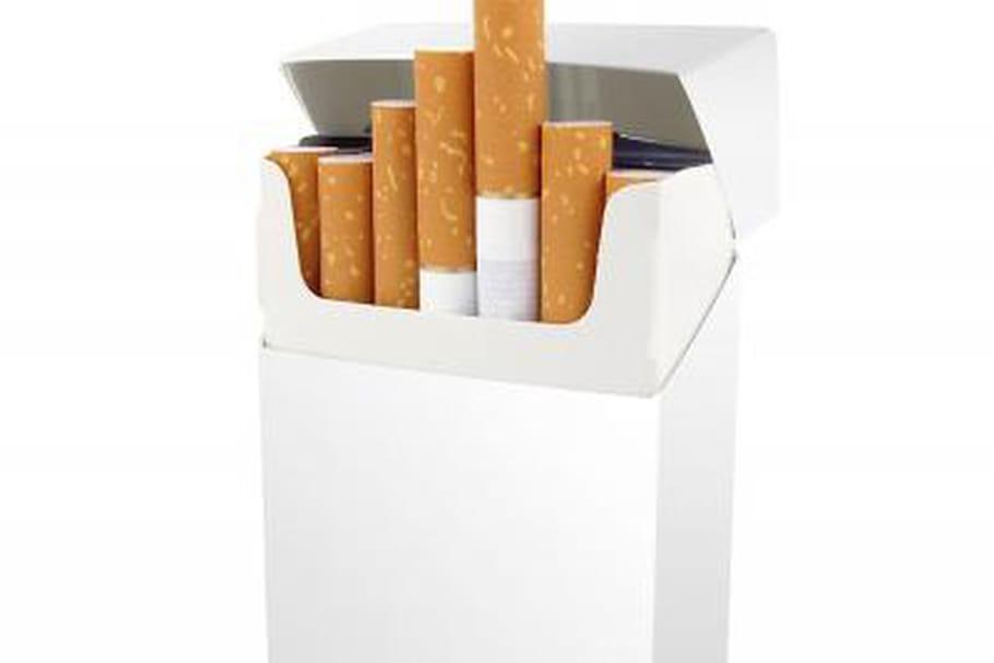 Un nouveau paquet de cigarettes sans marque ni logo?