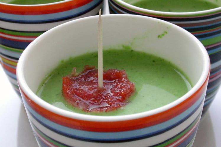 Velouté glacé de petits pois et sorbet à la tomate