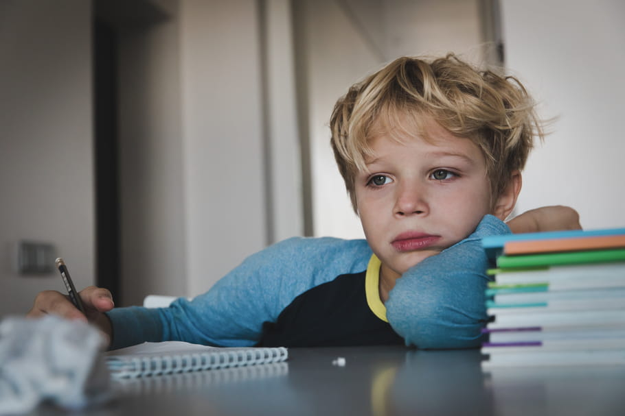 Un sentiment profond de solitude affecte les enfants doués