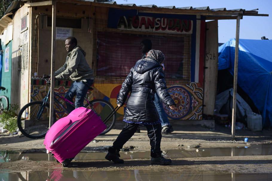"""Démantèlement de la """"jungle"""" de Calais: où sont les femmes?"""